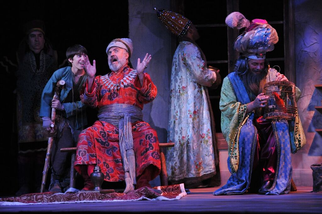 Hector Vazquez, Greg Fedderly, The Kings regale Amahl